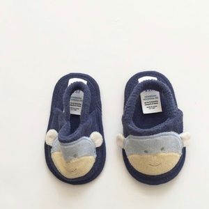 BABygap terry cloth slippers EUC 0-3 months (1)